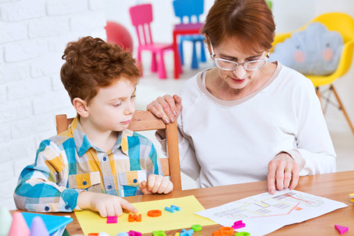 Importance of Consistency and Simplicity in Teaching Kids with Autism